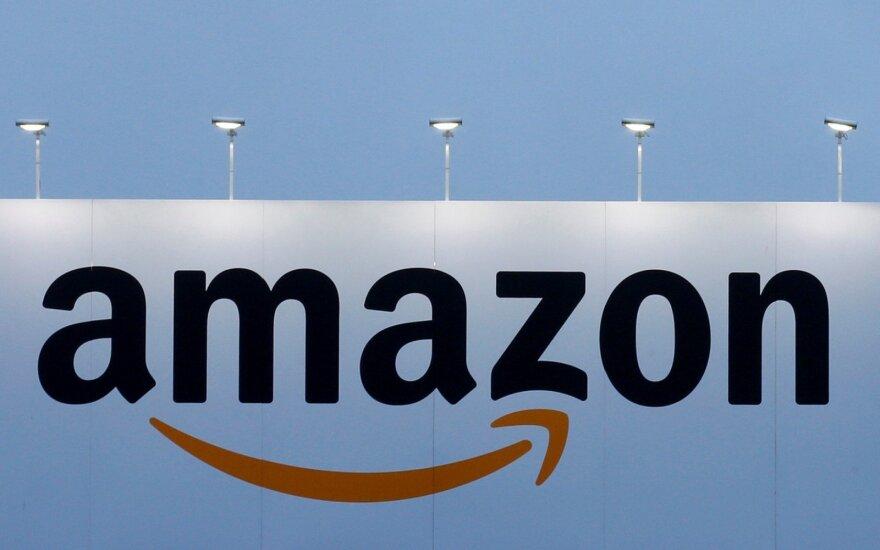 После Adidas и Walmart литовские активисты нацелились на Amazon: таких товаров не должно быть