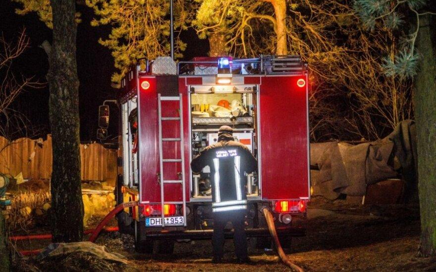 Ночью пожарных поднял на ноги сильный пожар