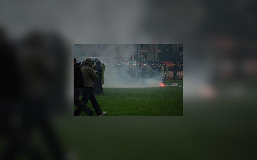 Polski poseł na Sejm demolował stadion w Wilnie podczas meczu Legii i Vetry w 2007 roku?