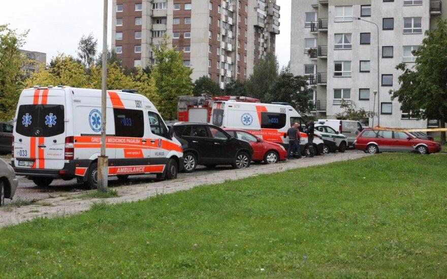 В Вильнюсе у женщины перерезано горло, мужчина повесился