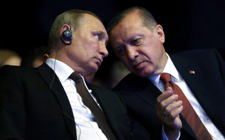 Путин вернул некоторым турецким гражданам право на безвизовый въезд