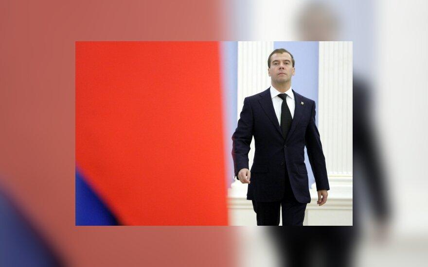 Медведев позвал китайцев в Сколково