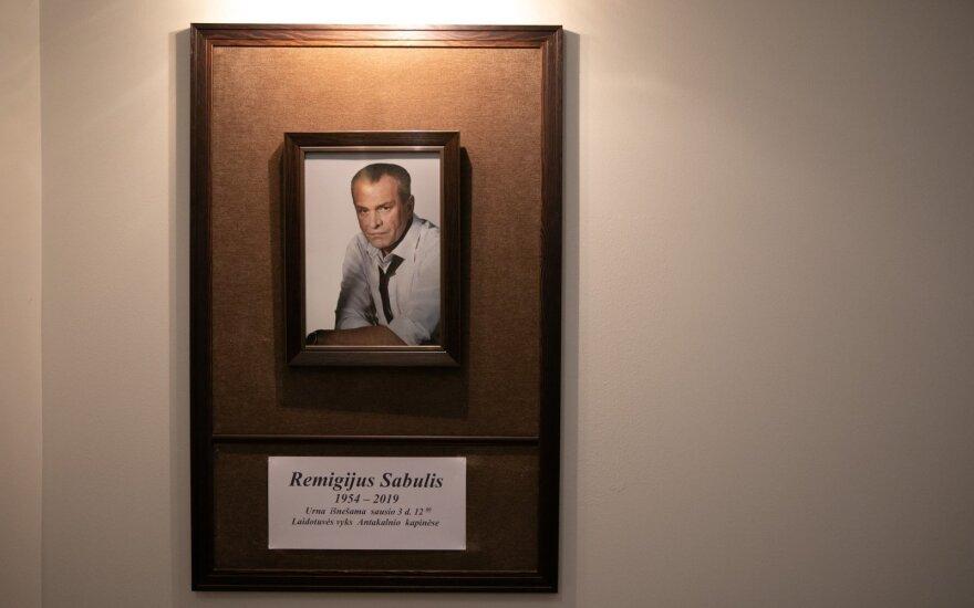 В Вильнюсе друзья и поклонники таланта прощаются с актером Сабулисом