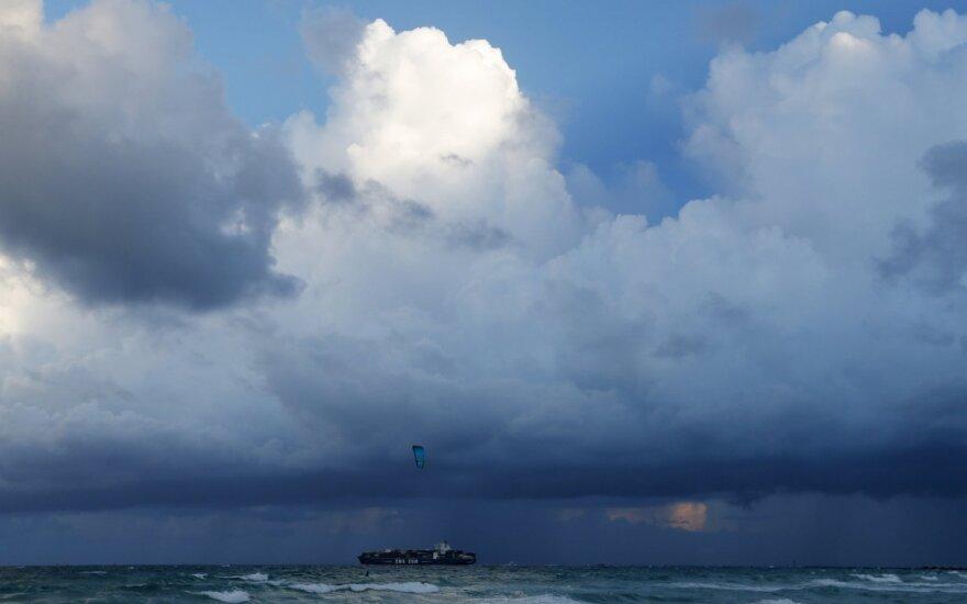 """В Южной Каролине готовят к эвакуации 830 тысяч жителей из-за урагана """"Дориан"""""""