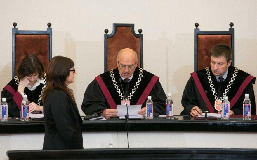 КС: закону о выборах противоречат очередность кандидатов ПТ и результаты Биржайско-Купишкского округа