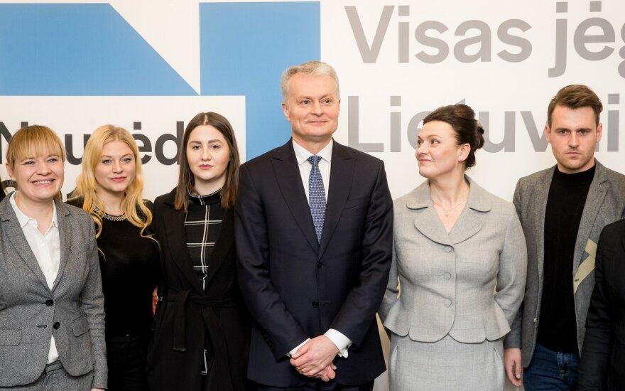 Науседа представил команду, призывает менять политкультуру в Литве