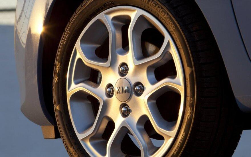Тест-драйв: Nissan Micra против Kia Picanto