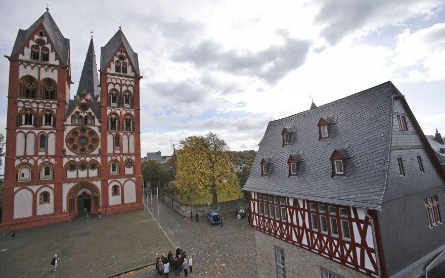 Limburgo vyskupija, kuriai vadovauja Franzas Peteris Tebartzas van Elstas