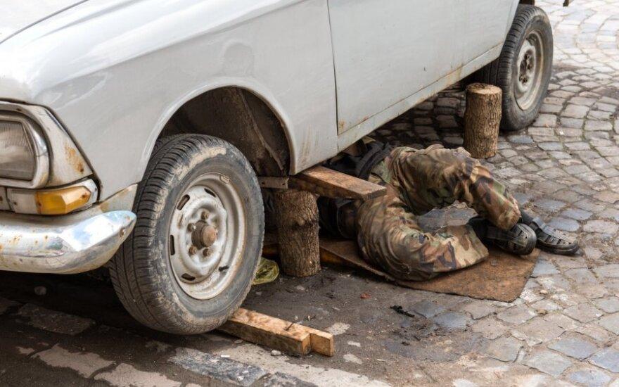 Wiele wypadków w Polsce spowodowanych jest złym stanem technicznym aut