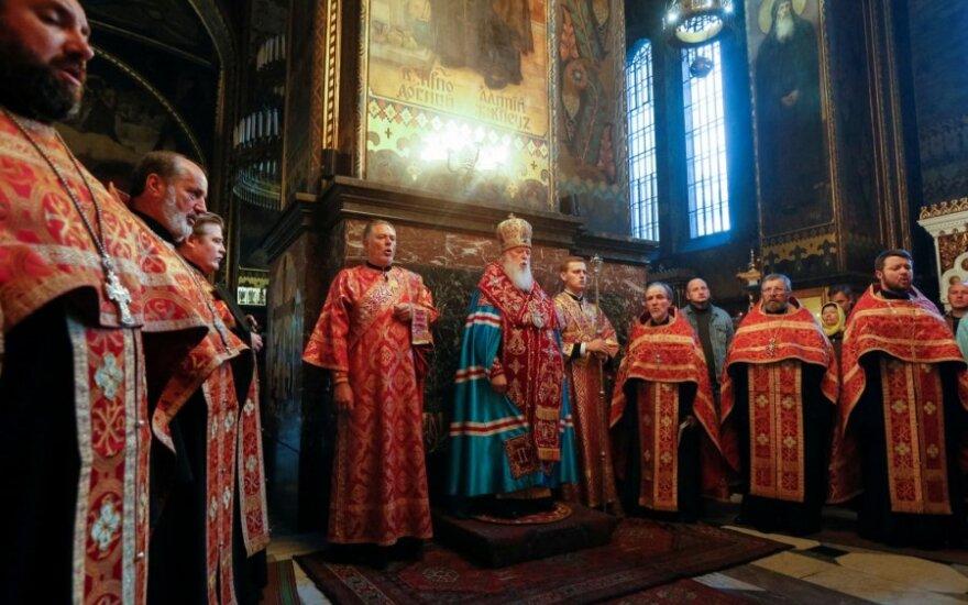 Patriarchas Filaretas atlieka apeigas Kijevo cerkvėje