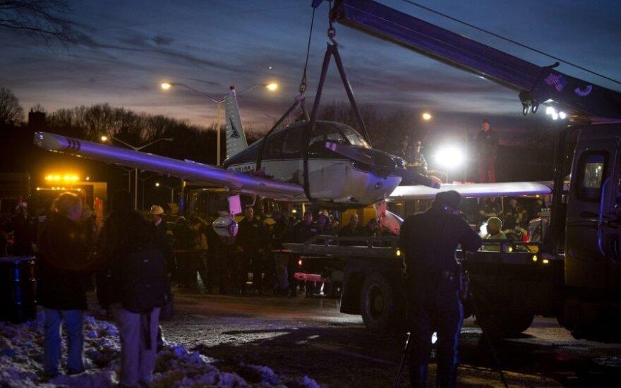 W Nowym Jorku samolot wylądował awaryjnie na autostradzie