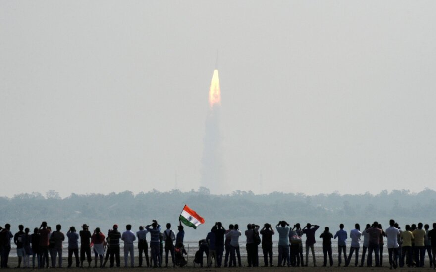 Indija iškėlė į kosmosą rekordinį palydovų skaičių