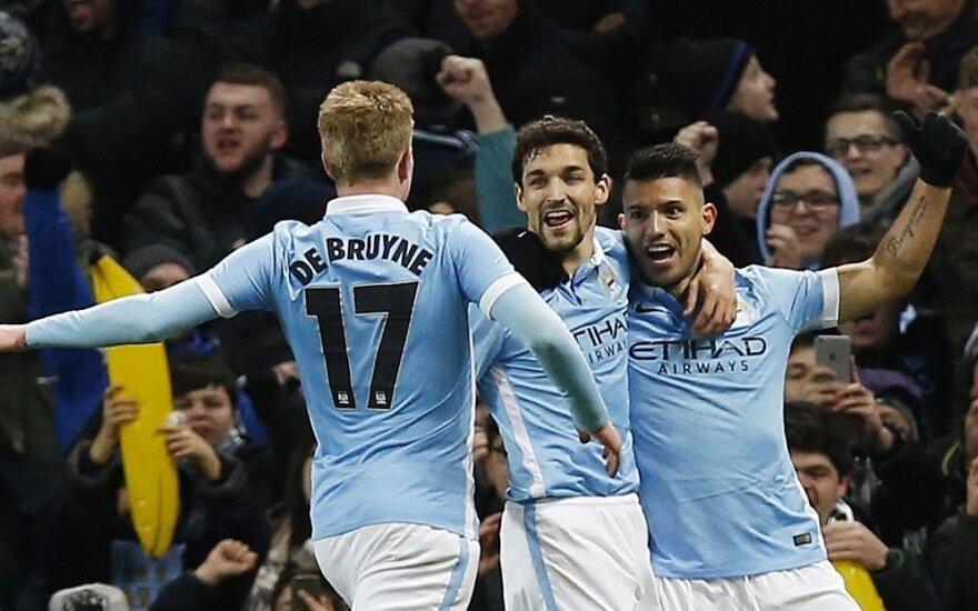 """""""Manchester City"""" futbolininkai džiaugiasi"""