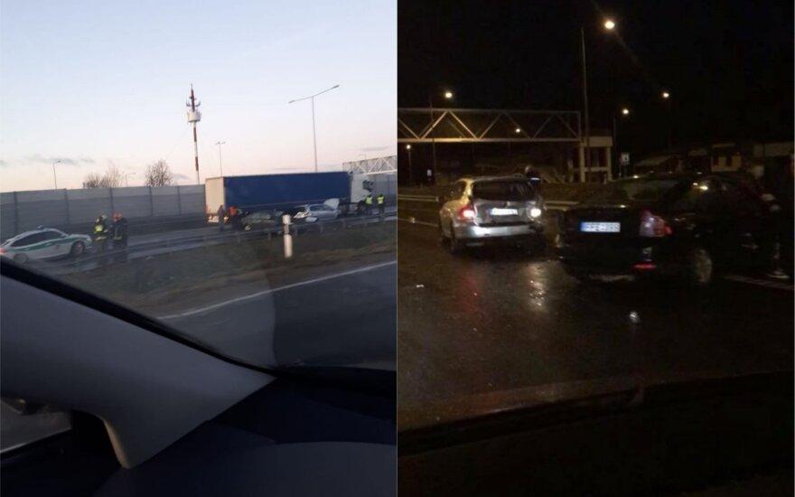 Из-за массового ДТП на дороге Вильнюс - Каунас было на несколько часов приостановлено движение