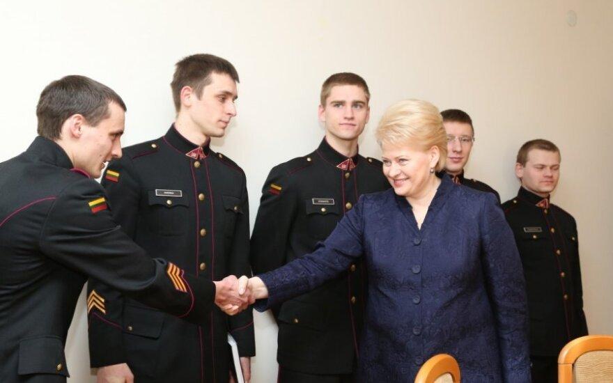 Президент курсантам: не бойтесь принимать решения, как некоторые руководители страны