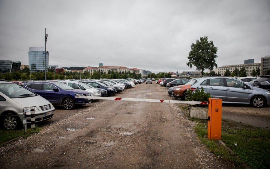 Seimo kanceliarijos automobilių aikštelė