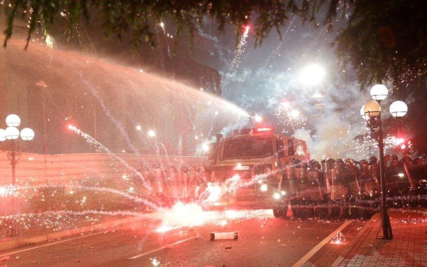 Столкновения в Тиране: албанцы добиваются отставки премьера