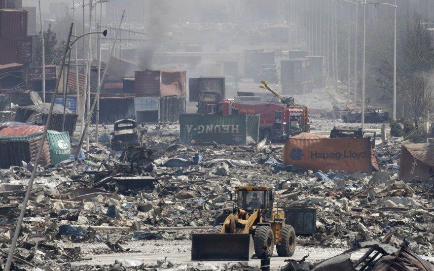 Китай: пожар на месте взрывов до сих пор не ликвидирован