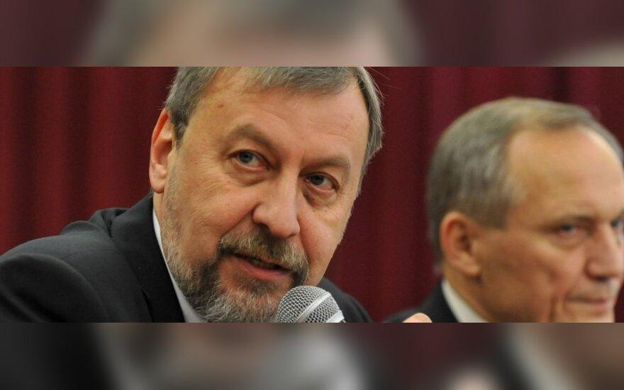 Санников: кроме капитуляции обсуждать с Лукашенко нечего