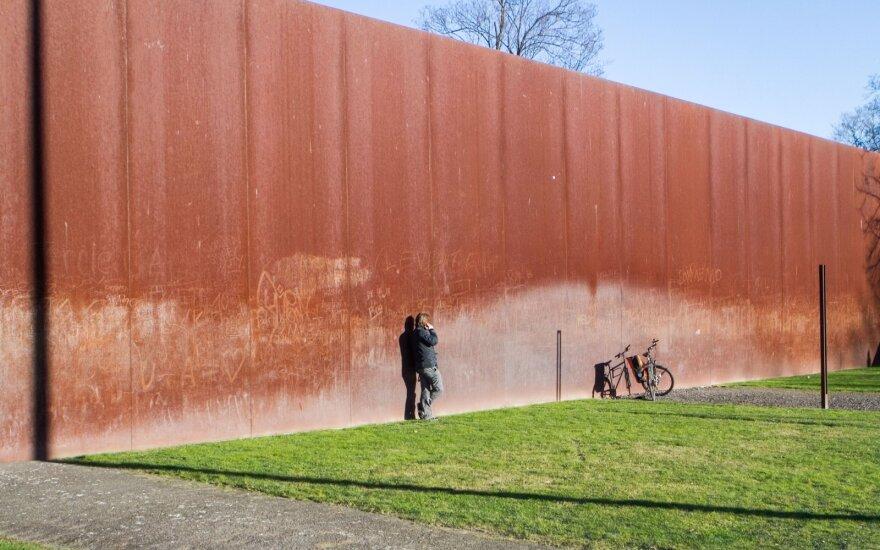 В Германии отмечают 58-летнюю годовщину строительства Берлинской стены
