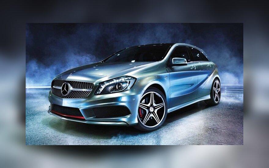 Появились первые фото Mercedes-Benz A45 AMG