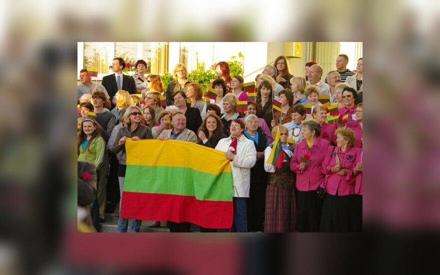 """Гимн Литвы спели даже в джунглях Гватемалы <span style=""""COLOR: #0080ff; FONT-FAMILY: """">(обновлено)</span>"""