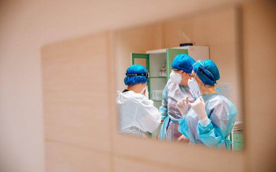 Оба новых случая коронавируса связаны в Сантаришкской клиникой