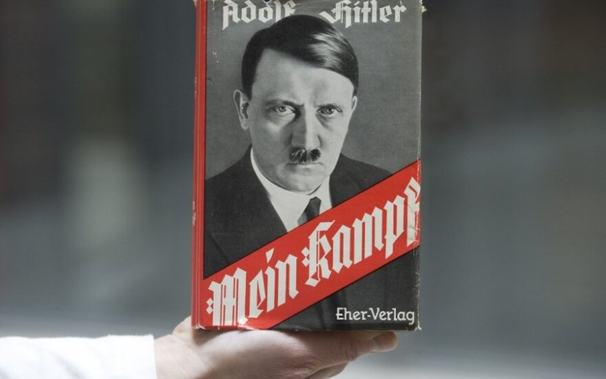 "Adolfo Hitlerio knyga ""Mein Kampf"""
