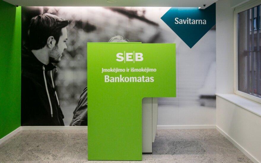 SEB вернул клиентам ошибочно снятые деньги, обещает льготы