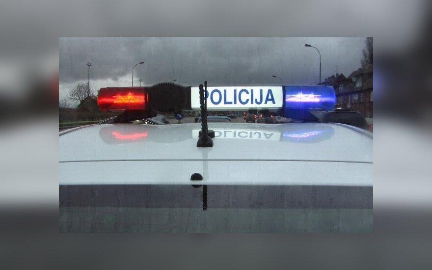 Подозреваемый разбил два автомобиля Бюро криминальной полиции