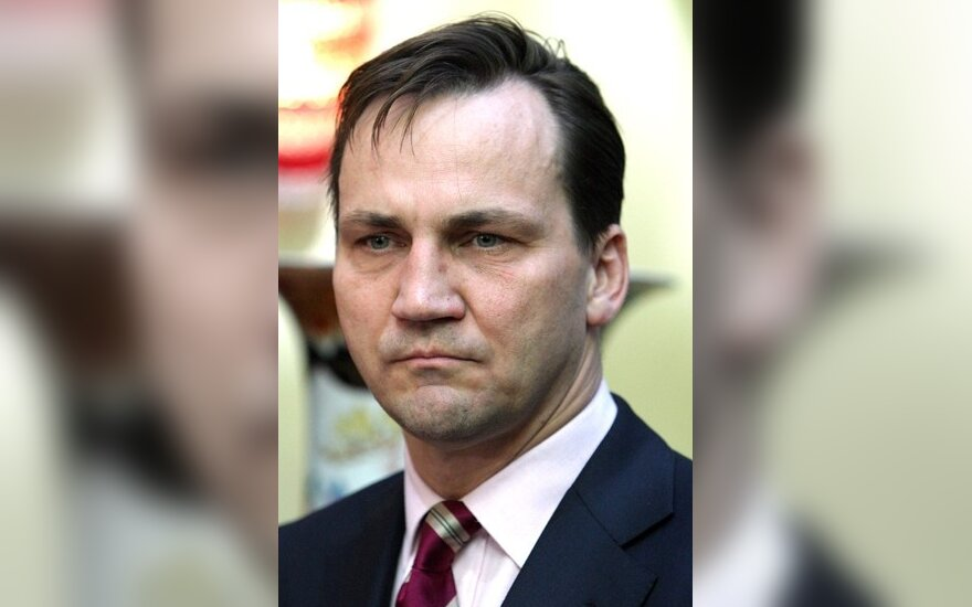Р.Сикорский: с Лукашенко трудно договориться