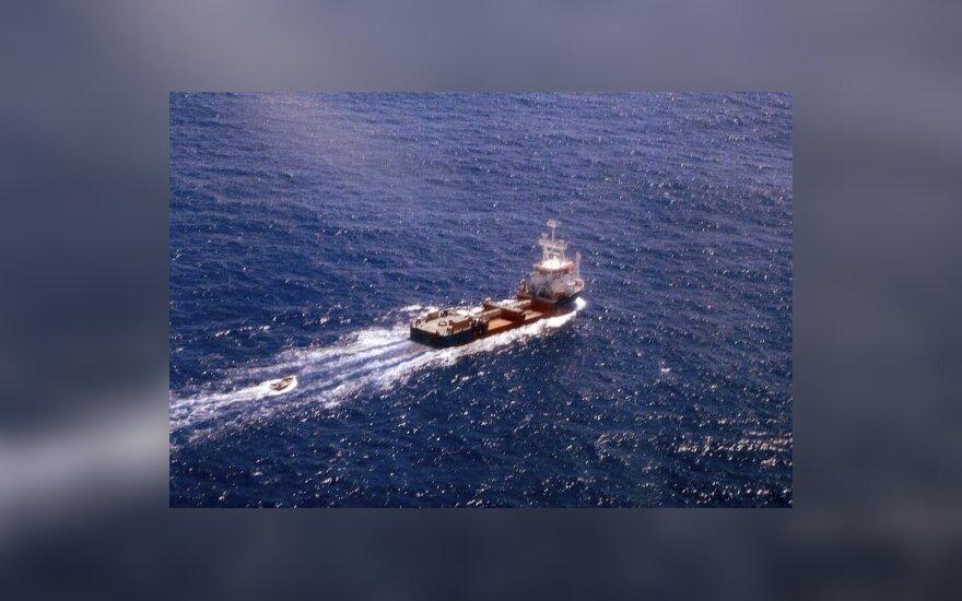 Захваченные пиратами из Сомали украинцы просят о помощи