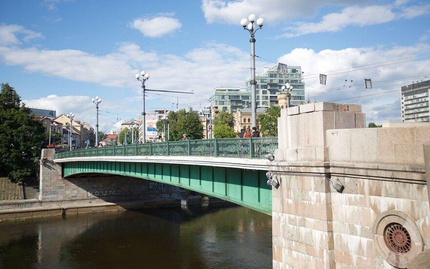 На следующей неделе на Зеленом мосту появятся новые инсталляции