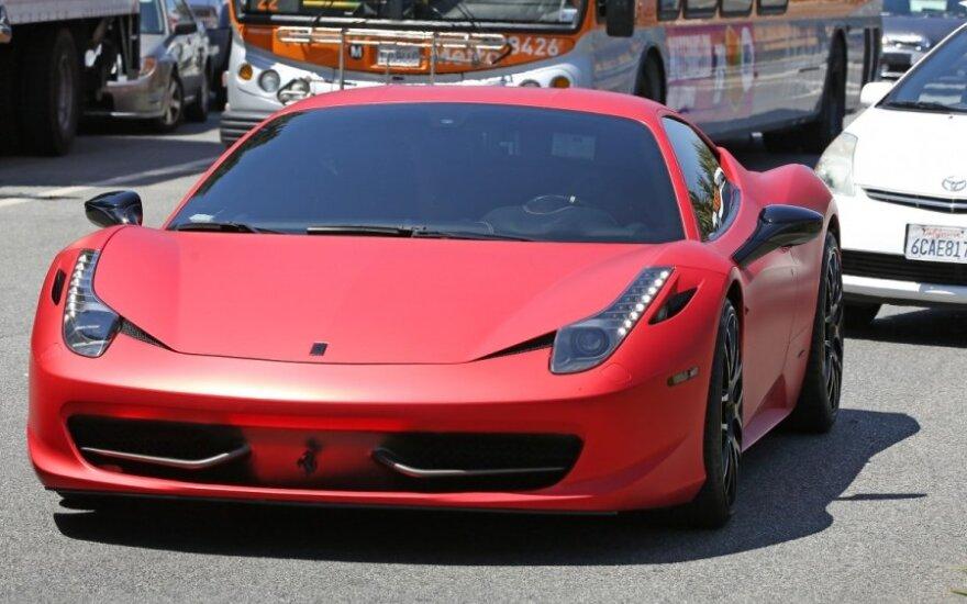 Sprawdź się za kierownicą Ferrari bez wydawania fortuny