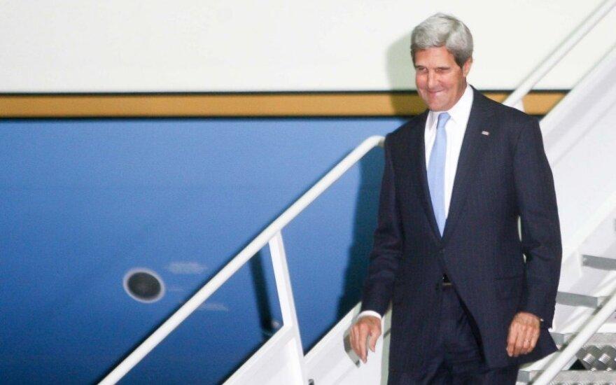 Sekretarz Stanu USA John Kerry w Polsce: Polityka i interesy