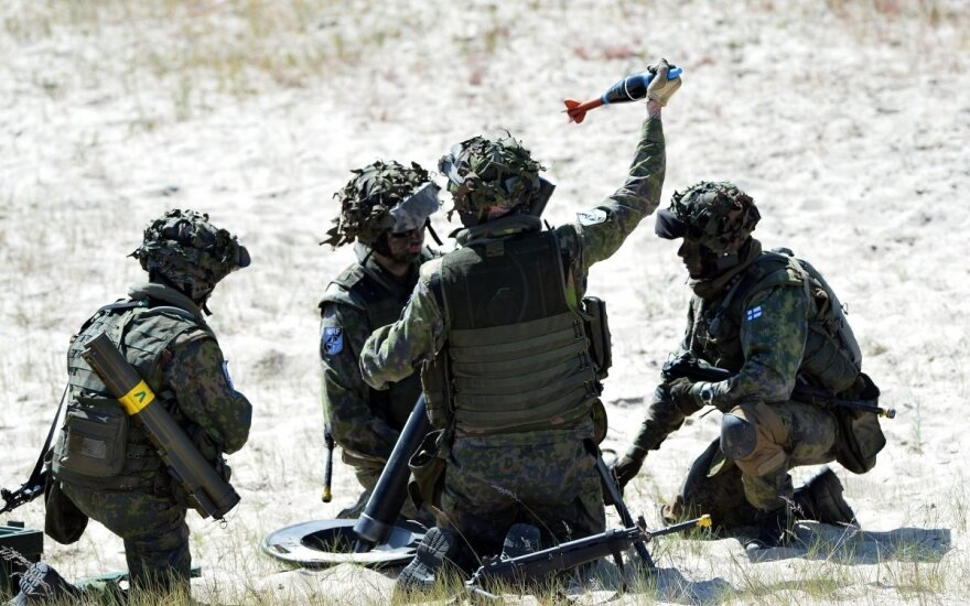 На пляже в Немирсете – международные военные учения