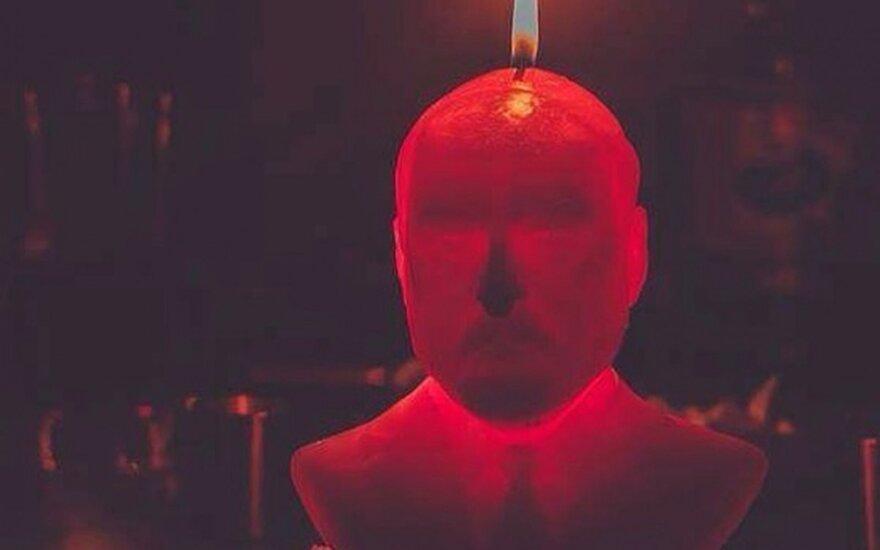 Брестский художник сделал свечу в форме бюста Лукашенко