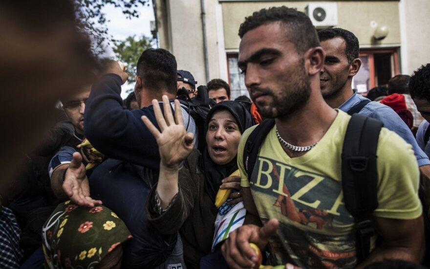 На перемещение беженцев просят 5,5 млн. евро