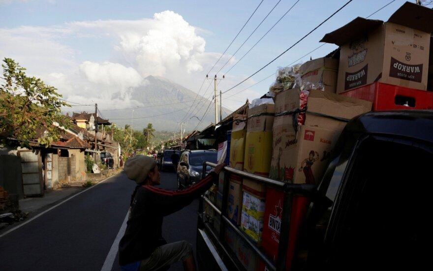 Россиян подозревают в ограблении обменника на Бали. Двух из них убили
