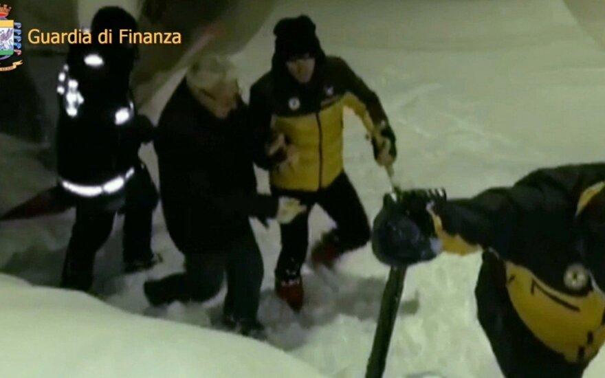 В заваленном лавиной отеле в Италии нашли еще пять тел