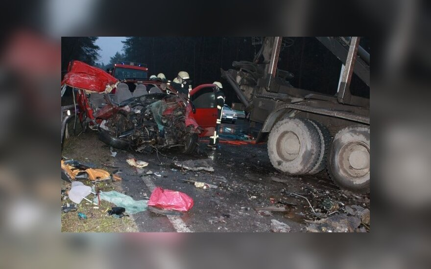 За неделю на дорогах Литвы погибли 10 человек, 106 пострадавших