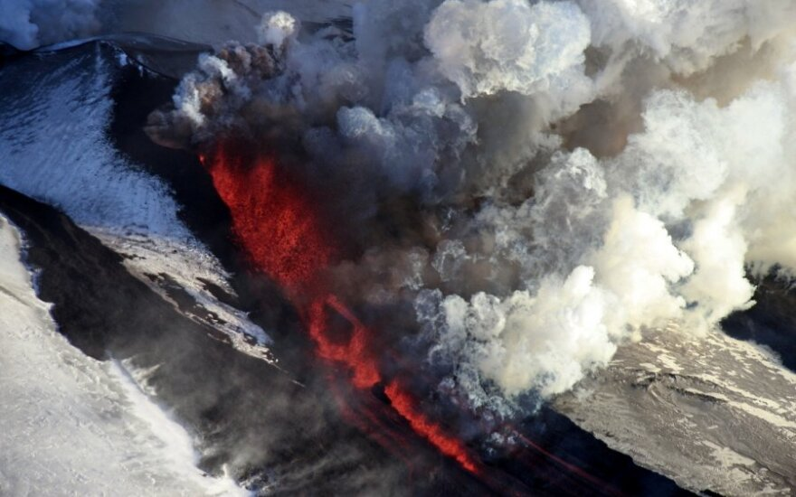 Išsiveržęs ugnikalnis Kamčatkoje