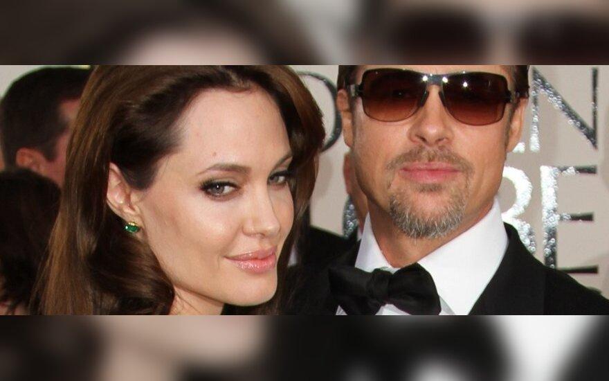 Джоли станет мамой в седьмой раз