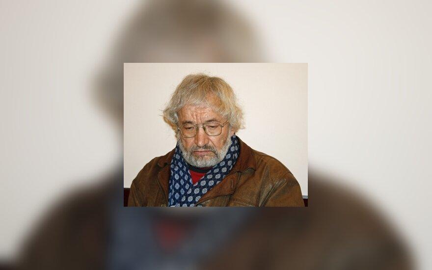Умер поэт Сигитас Гяда