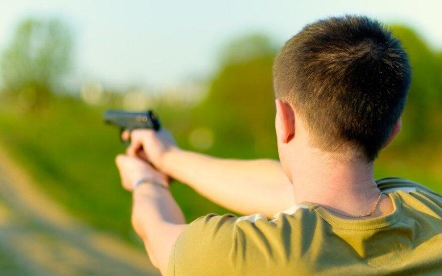 В Мажейкяй в молодого мужчину выстрелили шесть раз
