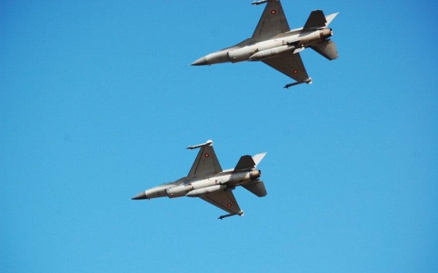 Naikintuvai F16