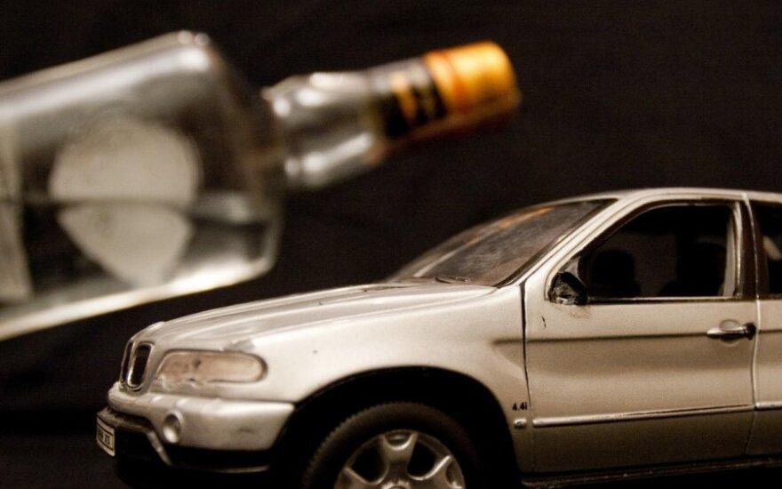 В Расейняй полиция остановила пьяную женщину за рулем