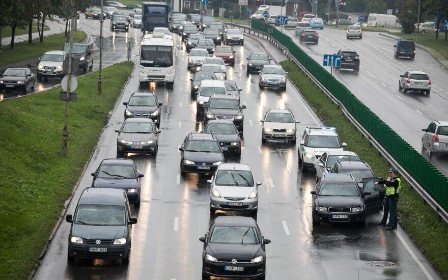 Массовая авария в Вильнюсе: столкнулись восемь автомобилей