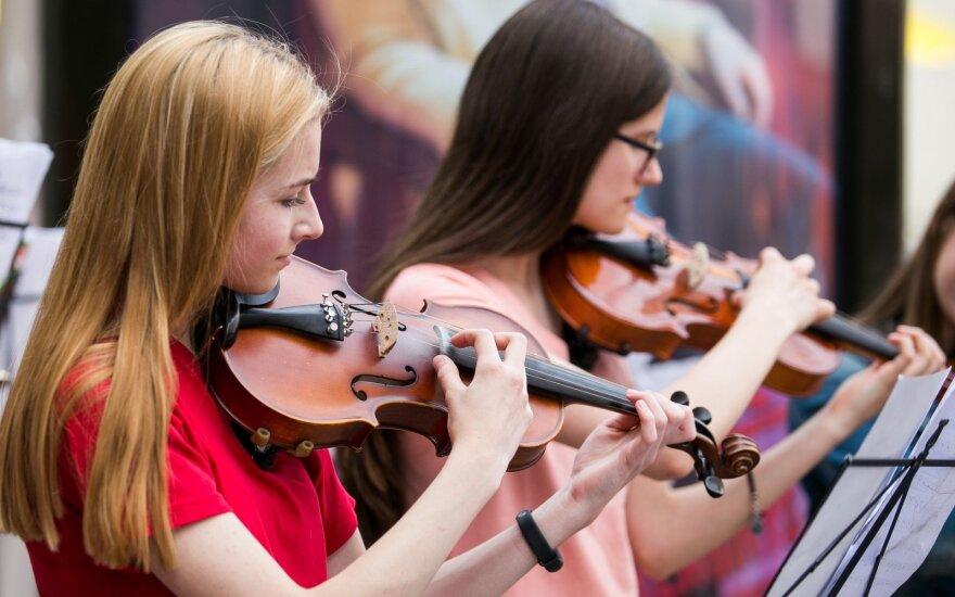 В Вильнюсе - День уличной музыки и Ночь музеев