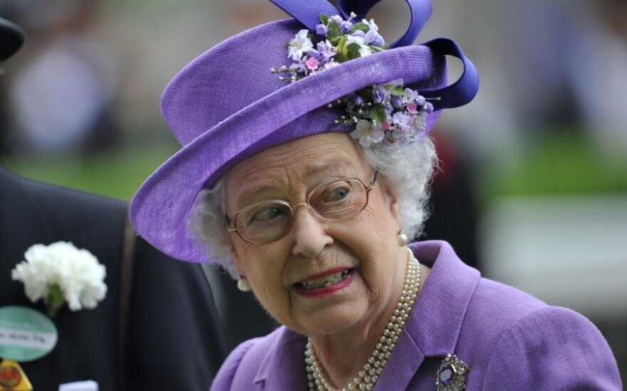 Elżbieta II zatwierdziła ustawę o małżeństwach homoseksualnych